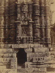 Close view of southern façade of shrine of Ananda Vasudeva Temple, Bhubaneshwar
